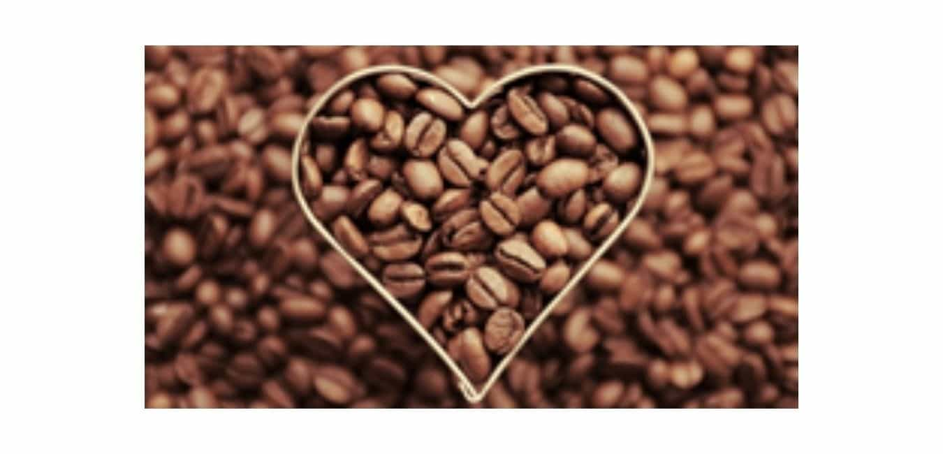The Differences Between Drinking Coffee and Eating Coffee Beans